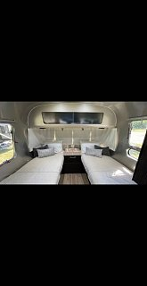 Click image for larger version  Name:2018%20Airstream%20INTERNATIONAL%20SIGNATURE%2025FB%20SIGNATURE_9947.jpg Views:28 Size:22.6 KB ID:397704