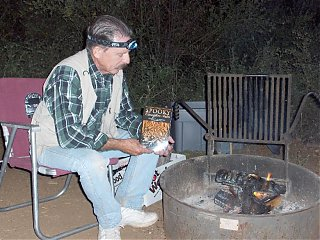 Click image for larger version  Name:HPIM0947 Bill and Spooky Campfire Tales.jpg Views:152 Size:97.5 KB ID:39831