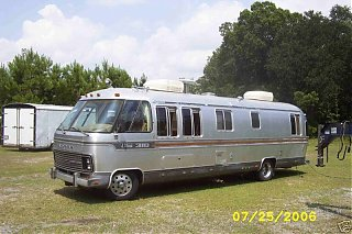 Click image for larger version  Name:Airstream RV front left better.jpg Views:132 Size:93.1 KB ID:40031