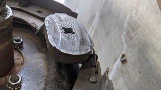 Click image for larger version  Name:Magnet on damaged side.jpg Views:13 Size:167.3 KB ID:403818