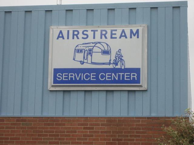 Click image for larger version  Name:Airstream Service Center.JPG Views:84 Size:34.6 KB ID:40431