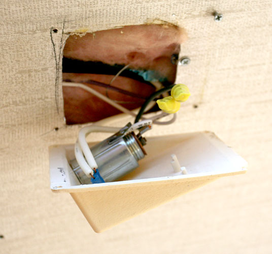 Click image for larger version  Name:IMG_7224 rear outlet-s.jpg Views:206 Size:76.8 KB ID:40884