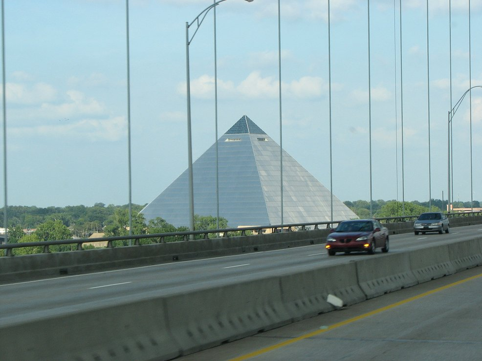 Click image for larger version  Name:Memphis pyramid.jpg Views:64 Size:91.5 KB ID:41729