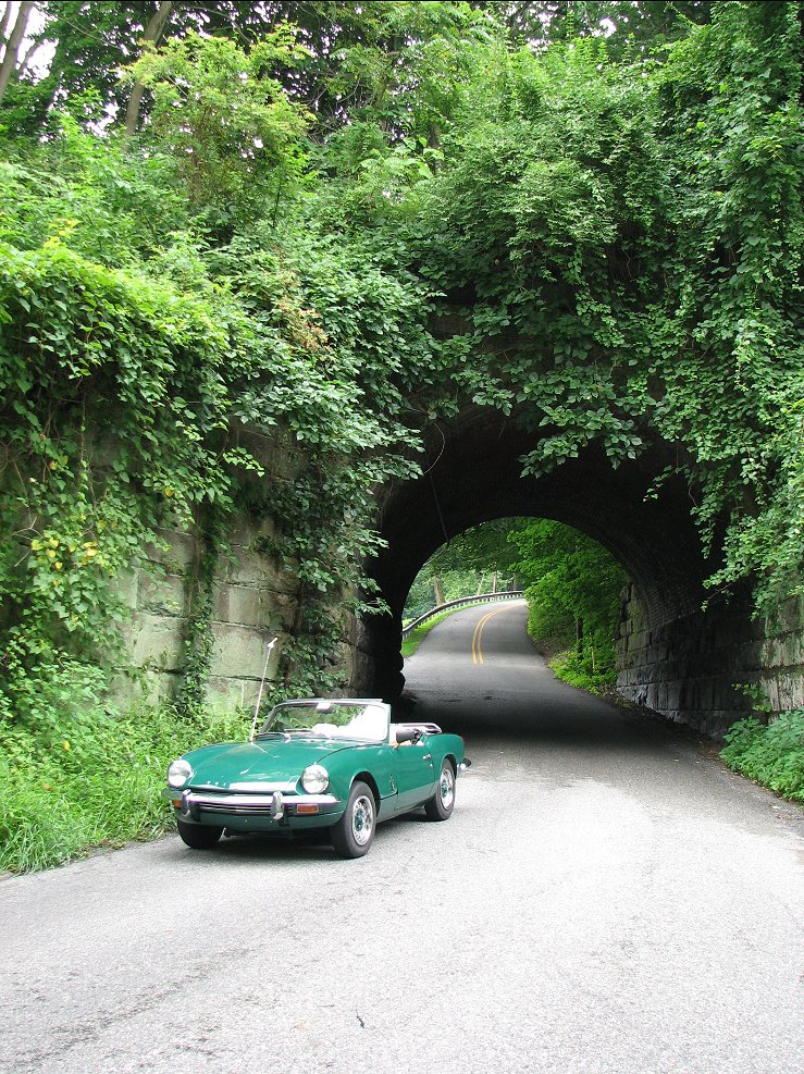 Click image for larger version  Name:Elliott at tunnel.jpg Views:98 Size:311.8 KB ID:41795