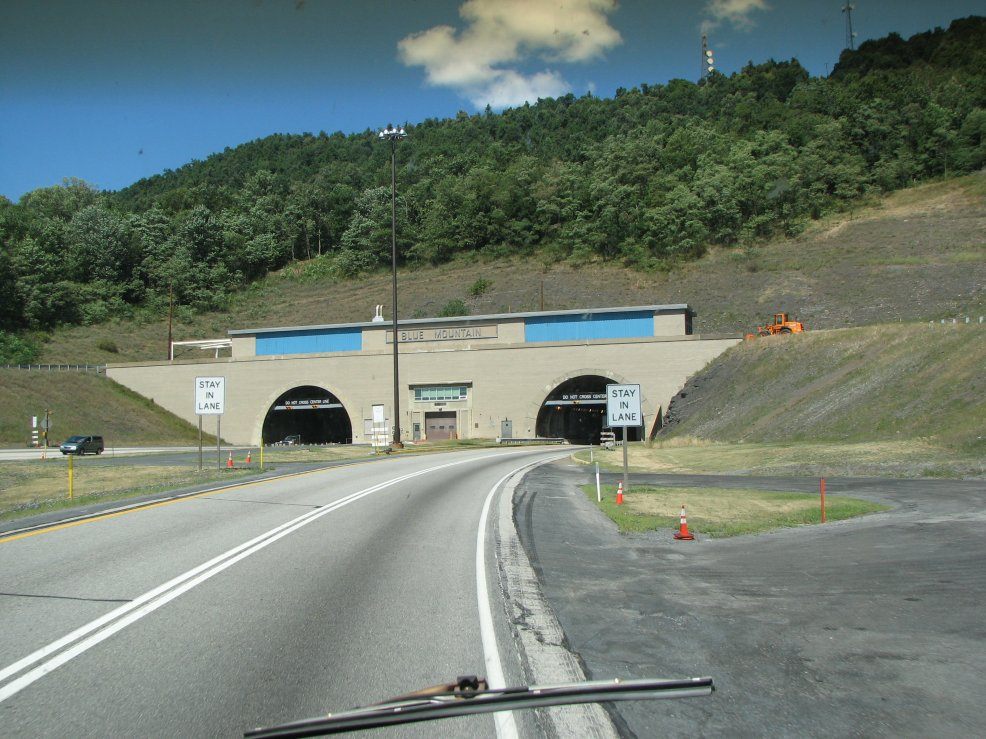 Click image for larger version  Name:Blue Mountain Tunnel.jpg Views:59 Size:157.3 KB ID:41848