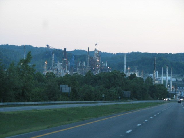 Click image for larger version  Name:Ashland refinery.jpg Views:60 Size:38.0 KB ID:41850