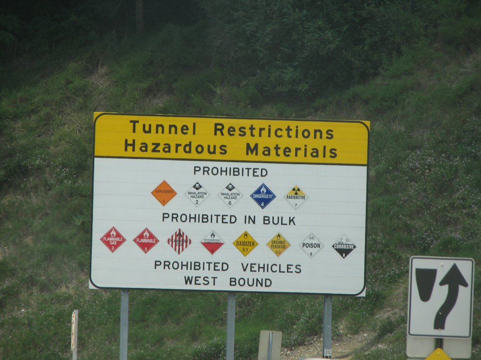 Click image for larger version  Name:Tunnel prohibitions.jpg Views:57 Size:129.5 KB ID:41853