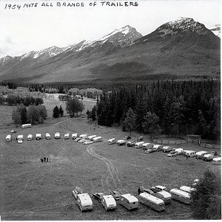 Click image for larger version  Name:Banff NP Canada 1954 low res.jpg Views:78 Size:141.3 KB ID:41983