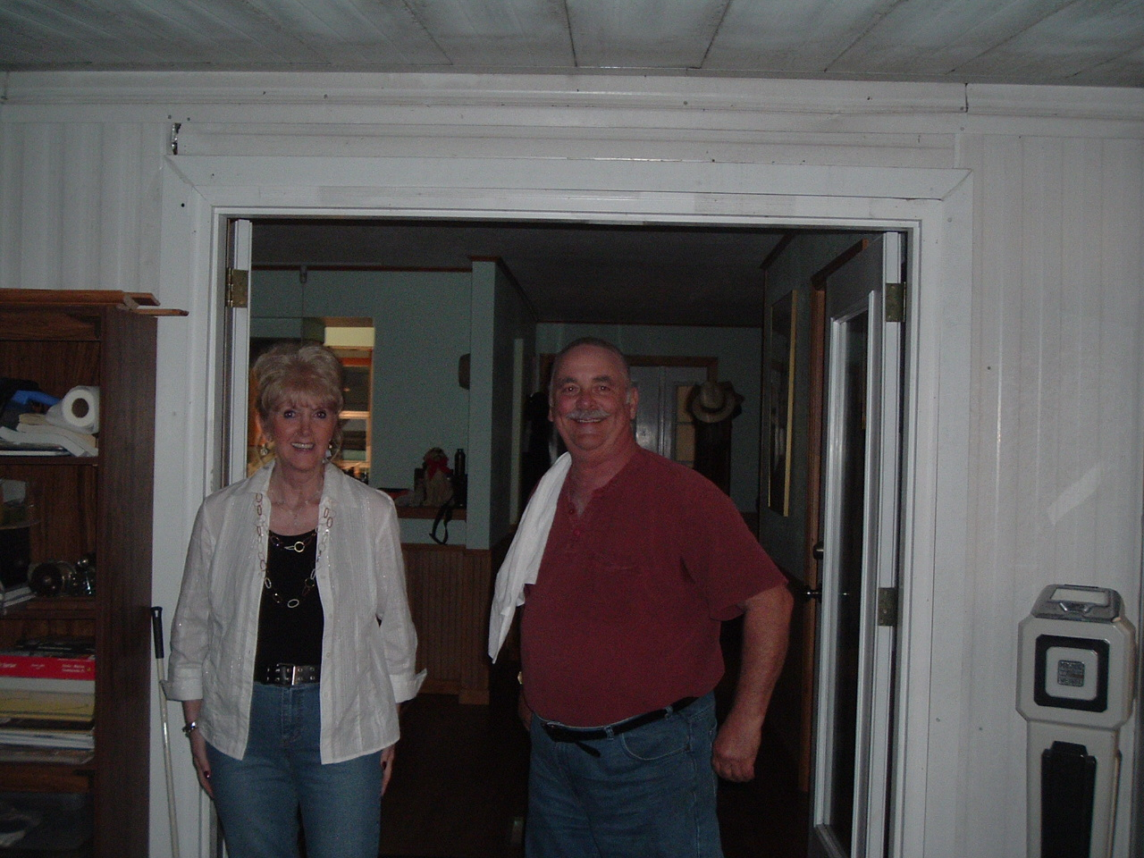 Click image for larger version  Name:Deb plus Daves party 004.jpg Views:49 Size:436.5 KB ID:42129