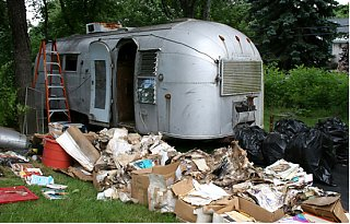 Click image for larger version  Name:trash day.jpg Views:280 Size:140.0 KB ID:42232