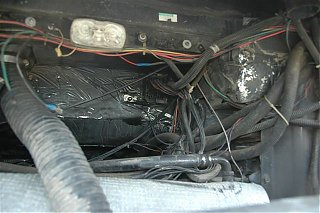 Click image for larger version  Name:Fuse block junction connector.JPG Views:82 Size:53.9 KB ID:42235