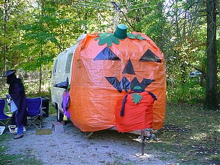Click image for larger version  Name:Pumpkin Airstream.jpg Views:65 Size:155.1 KB ID:42828