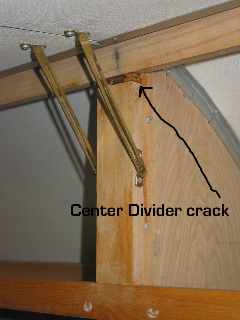 Click image for larger version  Name:center divider crack [%P].jpg Views:83 Size:109.9 KB ID:42868