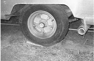 Click image for larger version  Name:wheelaxle.jpg Views:319 Size:15.9 KB ID:4389