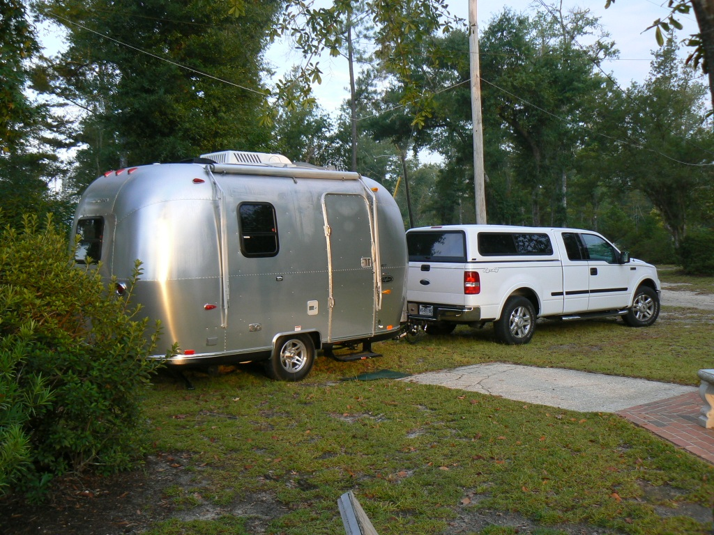Click image for larger version  Name:side view of our truck and trailer.JPG Views:79 Size:381.4 KB ID:44177