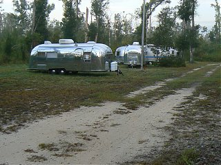 Click image for larger version  Name:airstreams in storage at Mystic Springs.JPG Views:86 Size:373.4 KB ID:44187
