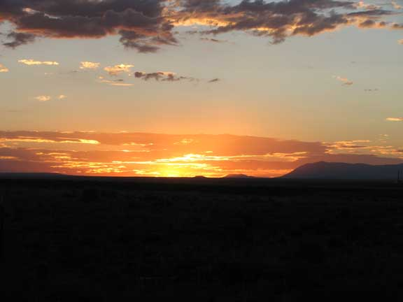 Click image for larger version  Name:SunsetAF.jpg Views:72 Size:40.1 KB ID:44437