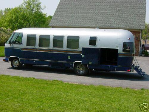 Click image for larger version  Name:GlenCoombe-Coach.jpg Views:58 Size:36.3 KB ID:45205