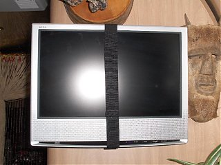 Click image for larger version  Name:HPIM1368 LCD secured by bracket strap.jpg Views:96 Size:72.3 KB ID:45653