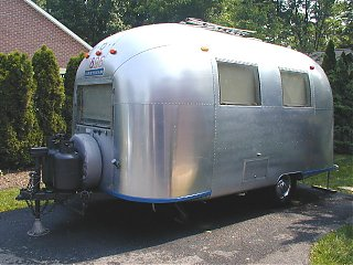 Click image for larger version  Name:airstream caravel ad pic.jpg Views:557 Size:85.1 KB ID:4578