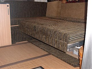 Click image for larger version  Name:HPIM1396 lounge opened (no bedding).jpg Views:102 Size:106.5 KB ID:45923