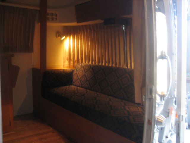 Click image for larger version  Name:Craigs Airstream Gaucho area.jpg Views:250 Size:38.7 KB ID:46618