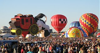 Click image for larger version  Name:balloon_crowd_sm.jpg Views:89 Size:146.0 KB ID:46661