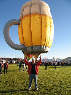Click image for larger version  Name:reaching_for_a_beer.jpg Views:83 Size:205.7 KB ID:46662