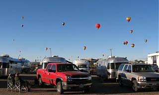 Click image for larger version  Name:balloons_over_airstreams.jpg Views:74 Size:118.8 KB ID:46679