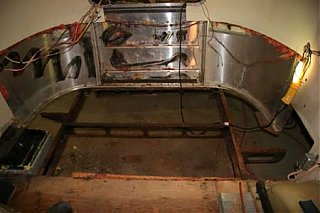 Click image for larger version  Name:Rear Floor Removed.jpg Views:116 Size:41.0 KB ID:46698
