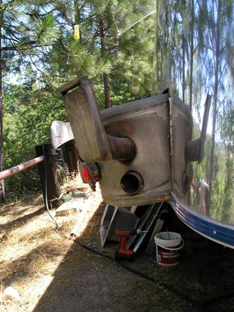 Click image for larger version  Name:Airstream - New water heater install 6-07 012.jpg Views:97 Size:41.8 KB ID:46709