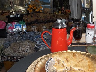Click image for larger version  Name:HPIM1502 Fall interior with apple pie.jpg Views:152 Size:84.7 KB ID:46744