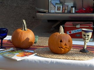 Click image for larger version  Name:HPIM1553 Pumpkin carving & table.jpg Views:137 Size:62.7 KB ID:46746