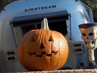 Click image for larger version  Name:HPIM1555 Halloween pumpkin, AS, goblet.jpg Views:141 Size:52.5 KB ID:46747