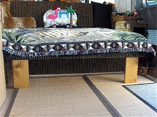Click image for larger version  Name:HPIM1419 Lounge with legs down.jpg Views:135 Size:122.6 KB ID:46762