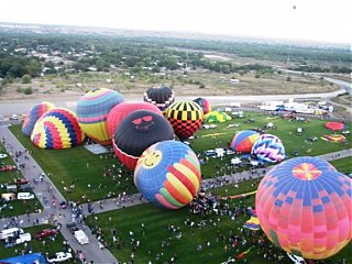 Click image for larger version  Name:balloons2.jpg Views:98 Size:229.9 KB ID:47014