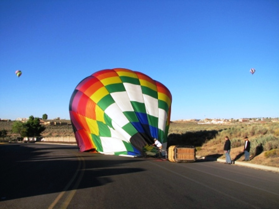 Click image for larger version  Name:balloons4.jpg Views:75 Size:150.6 KB ID:47016