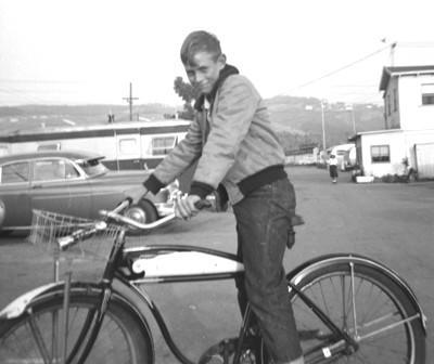 Click image for larger version  Name:1952...boy on bike..trailer park.jpg Views:55 Size:30.2 KB ID:47411