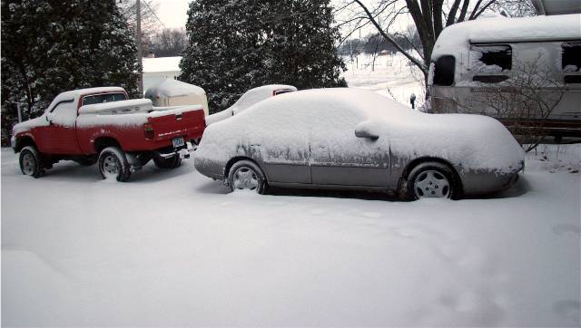 Click image for larger version  Name:snowstorm feb 5 03 small.jpg Views:176 Size:36.0 KB ID:4745
