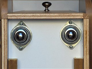 Click image for larger version  Name:HPIM1682 2 casters (close-up).jpg Views:92 Size:71.3 KB ID:47758