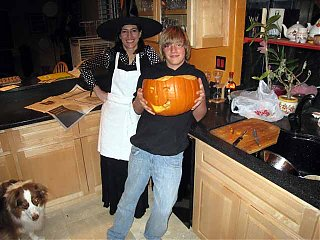 Click image for larger version  Name:pumkin fest at house.jpg Views:99 Size:54.6 KB ID:48483