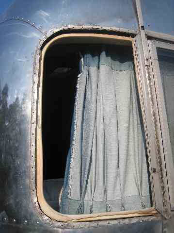 Click image for larger version  Name:Wing Window Fix Cleanup.jpg Views:65 Size:22.8 KB ID:48627
