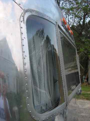 Click image for larger version  Name:Wing Window Fix Done.jpg Views:58 Size:20.9 KB ID:48628