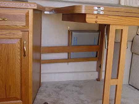 Click image for larger version  Name:under-table-rack.jpg Views:401 Size:11.2 KB ID:4866