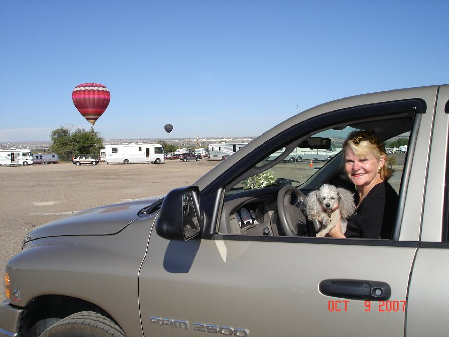 Click image for larger version  Name:Diane & Pooch.jpg Views:56 Size:91.3 KB ID:48675