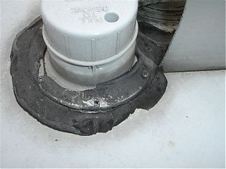 Click image for larger version  Name:SOLAR PANELS; ROOF LEAK 012.jpg Views:79 Size:48.2 KB ID:48701