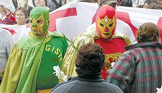 Click image for larger version  Name:2007-06-14-lucha.jpg Views:73 Size:21.8 KB ID:48892