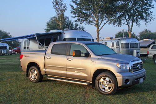 Click image for larger version  Name:Tundra_wAirstream_2.jpg Views:69 Size:125.8 KB ID:49402