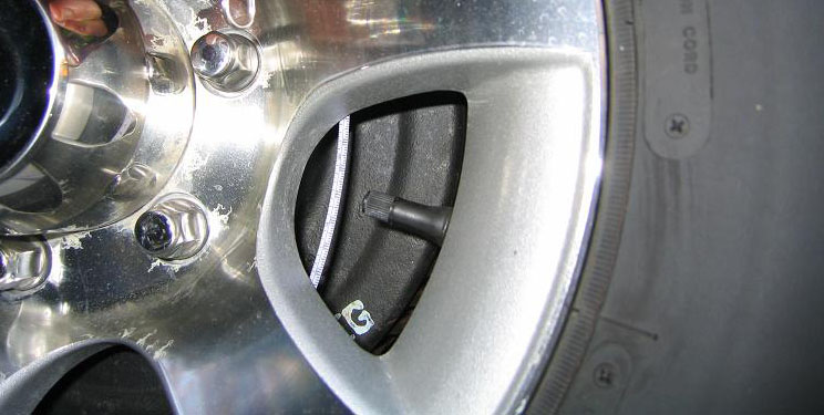 Click image for larger version  Name:Airstream Wheel 2007.jpg Views:82 Size:76.2 KB ID:50104