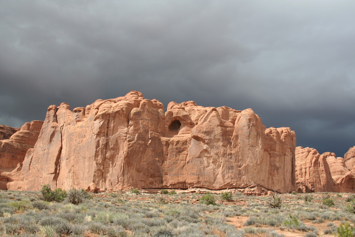 Click image for larger version  Name:Arches_20050929_2607_1.JPG Views:54 Size:235.8 KB ID:50367